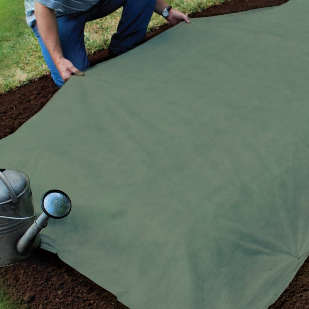 Gardman Heavy Duty Garden Fleece 10m x 1m