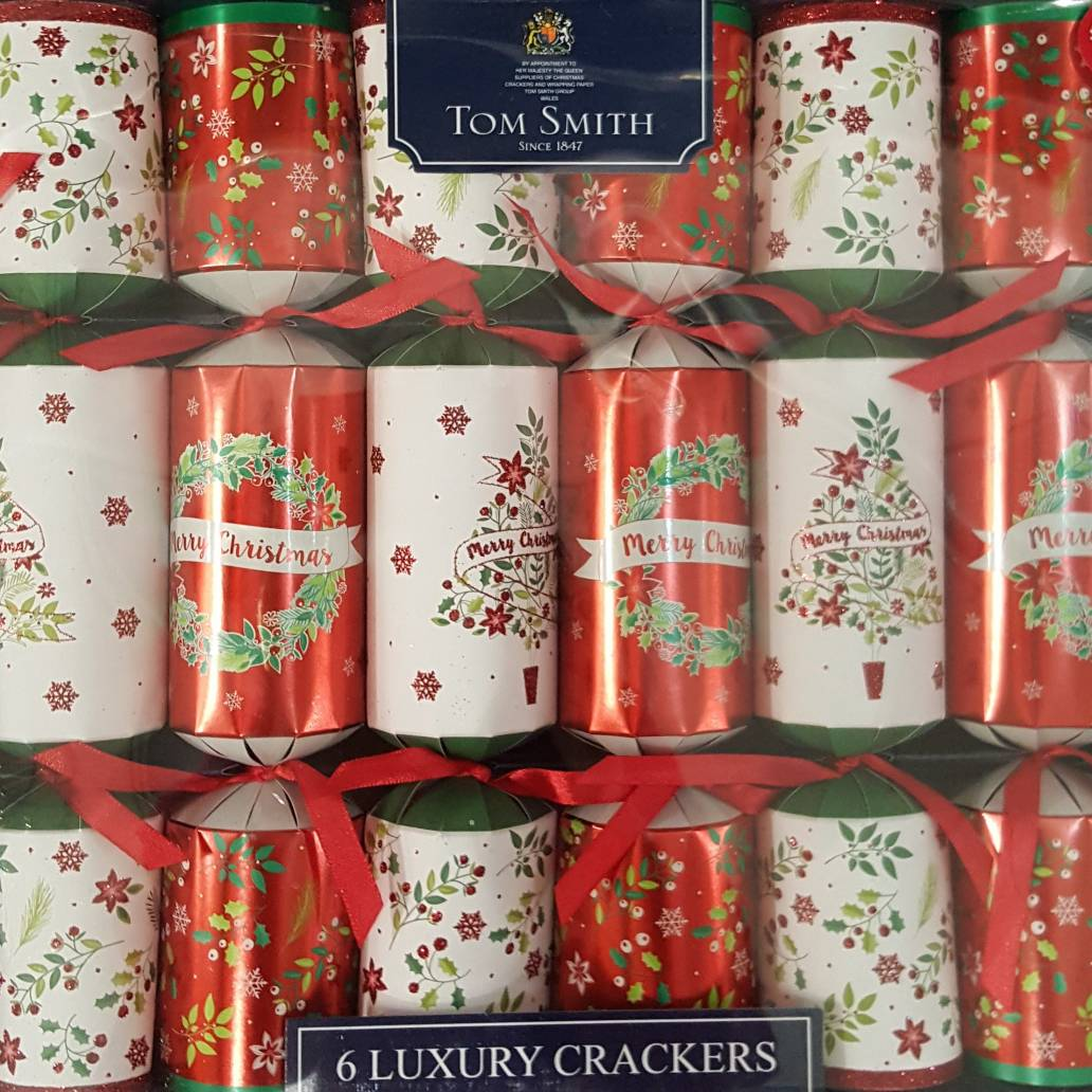 6 Luxury Traditional Christmas Crackers - Wreath & Tree