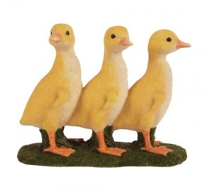 Hamac Three Standing Ducklings Ornament