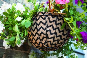 Gardman 30cm (12'') Decorative Hanging Basket Liner (Zig Zag)